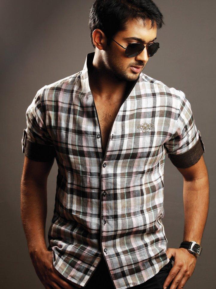 sexy girl: Actor Uday Kiran Wallpaper, South Indian Actor ...