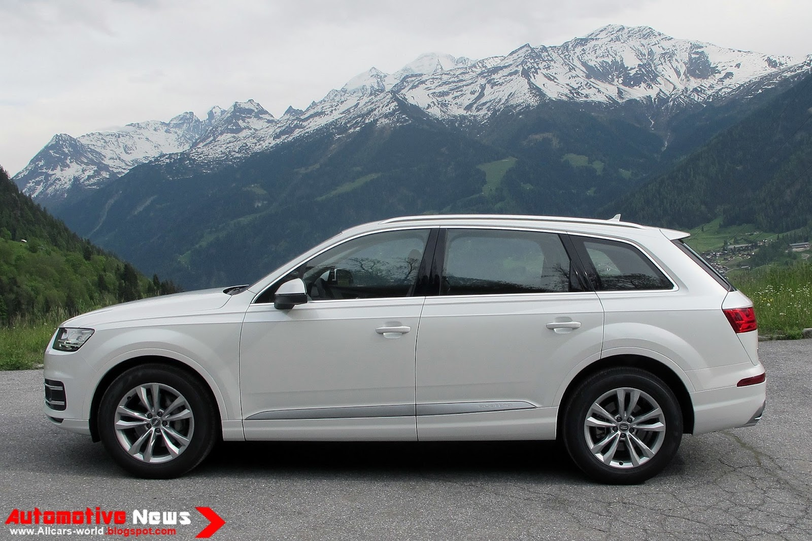 Standard Safety Features For The 2017 Q7 Include Antilock Brakes Ility And Traction Control Front Seat Side Airbags Full Length Curtain