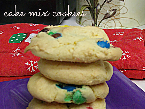 12 Days of yummies and treats : Cake Mix Cookies