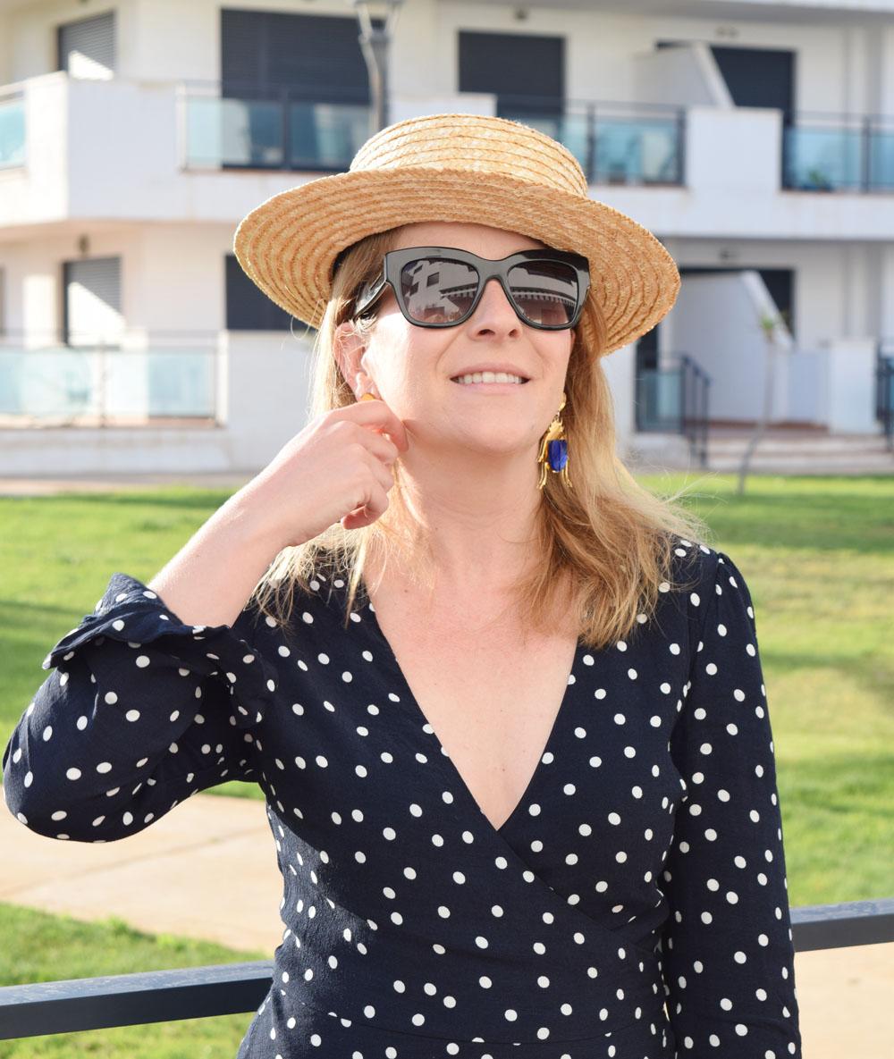 Lunares, capazo y sombrero