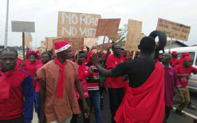 Ho residents demonstrate over bad roads
