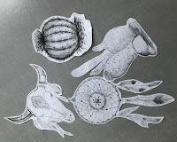 Dessins imprimés sur le papier de soie - Les secrets de Mia