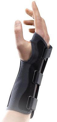 orthèse de poignet ManuImmo de chez THUASNE
