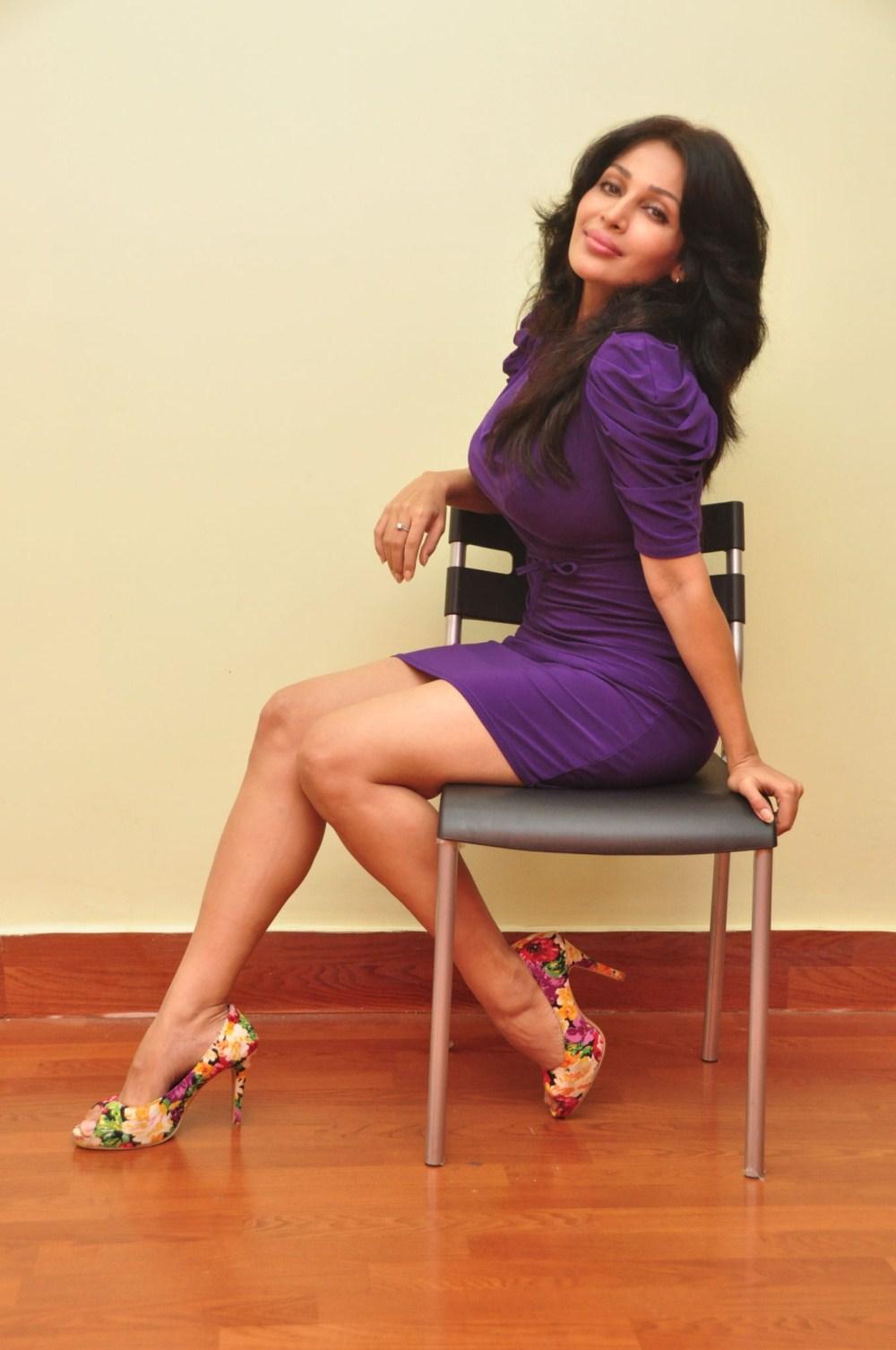 Cute fairy beauty asha saini photo-shoot