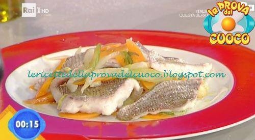 Pagello al guazzetto con verdure e vino bianco ricetta Marretti da Prova del Cuoco