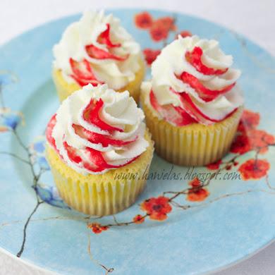 Raspberry Frappuccino Cupcake Recipe