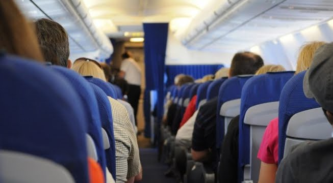 Volo Abu Dhabi Giacarta dirottato a Mumbai per il parto di una mamma