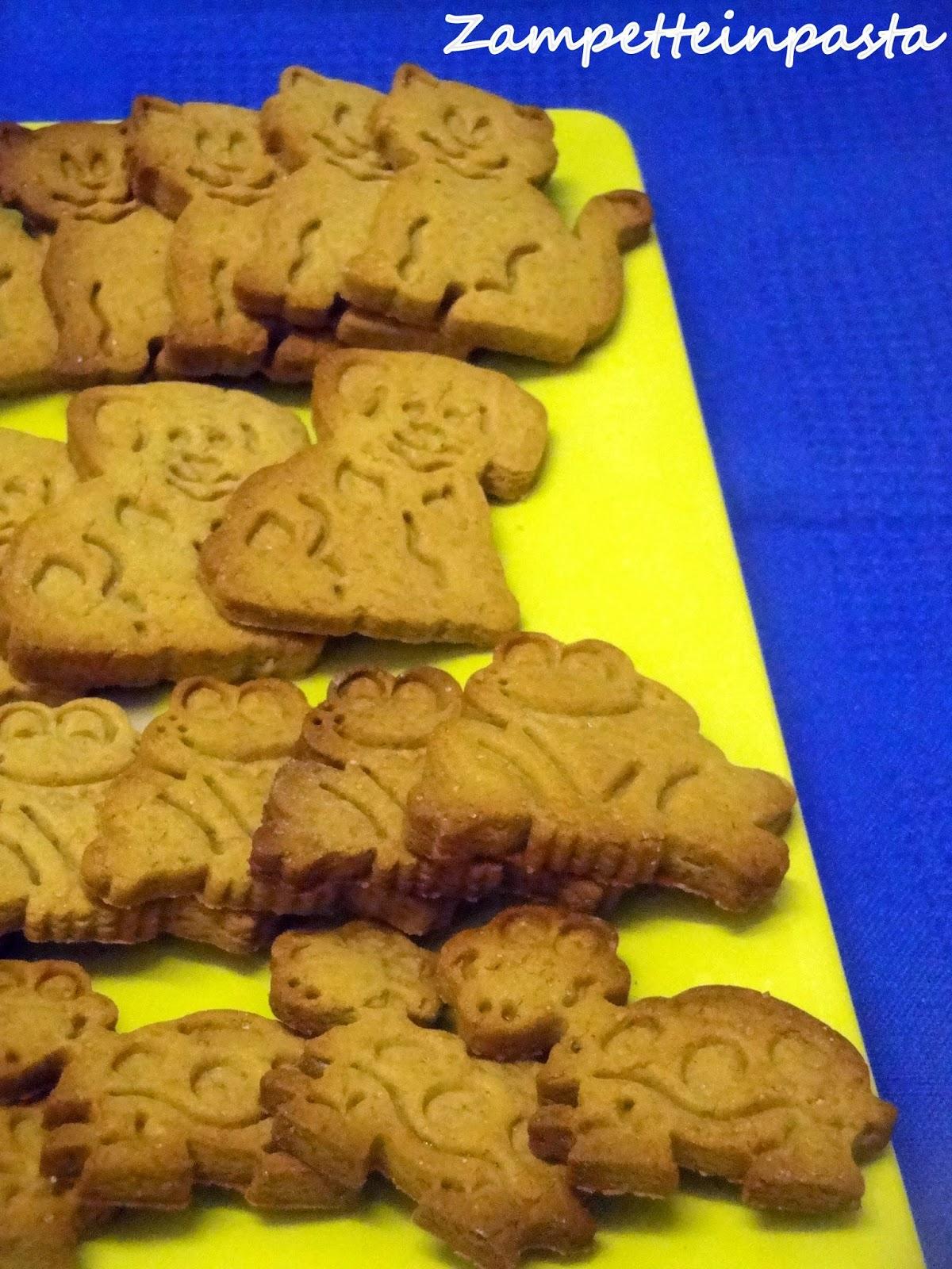 Biscotti con farina di castagne e miele di castagno