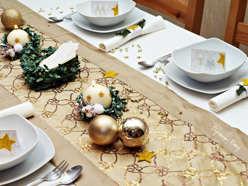 Papierowy Pokój Aranżacje świątecznego Stołu Złota