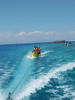 Banana Boat di Pulau Samalona
