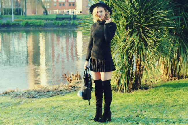 UK fashion blogger ootd over the knee boots public desire hope