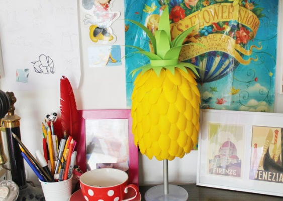 How to make a pineapple lamp with plastic spoons