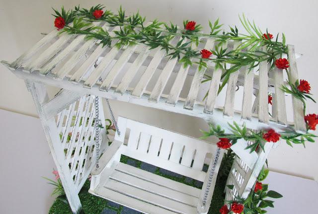 DIY: Balanço de Jardim Miniatura - Artesanato Palitos Picolé - Garden swing miniature popsicle tutorial