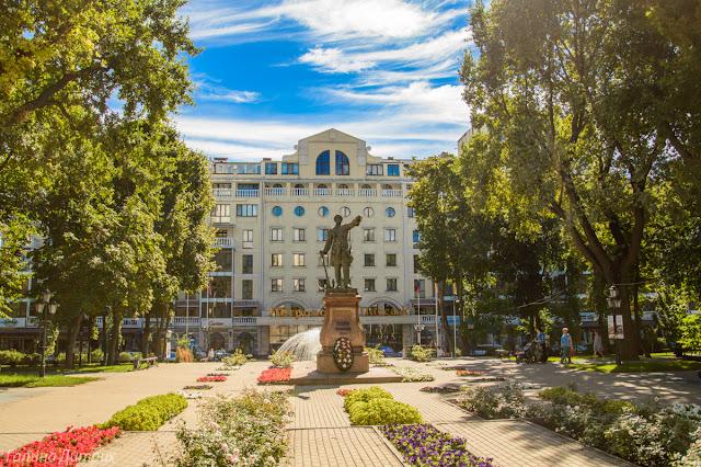 Петровский сквер Воронеж фото