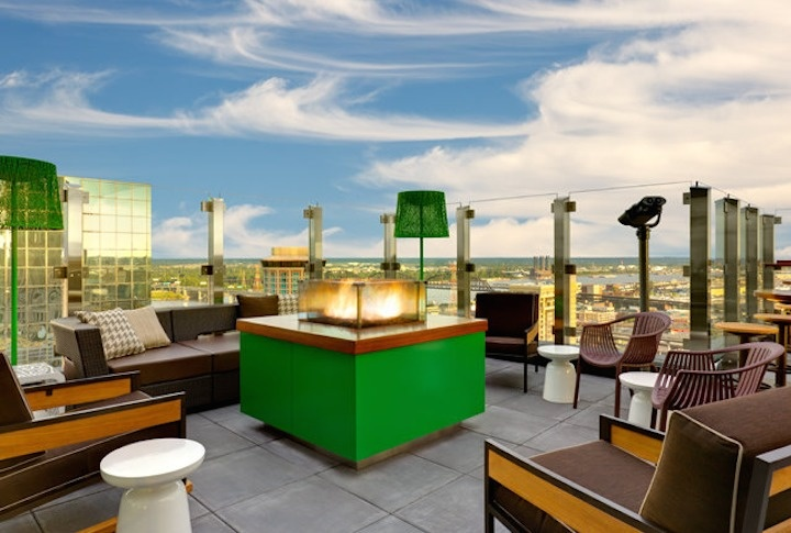 The World's 30 Best Rooftop Bars… Everyone Should Drink At #9 At Least Once. - The Three Sixty in the Hilton is St. Louis, Missouri gives a 360° view of the city.
