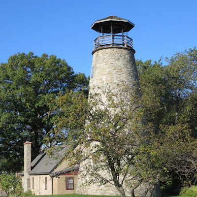 Things to do in Westfield NY: The Barcelona lighthouse