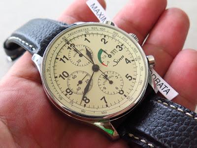 Cocok untuk Anda yang sedang mencari jam tangan Chronograph dengan dial  Cream... Complicated movement Power Reserve.... Model Classic dan  berpenampilan   ... 181d13f39a