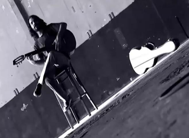 Santiago Feliú - ¨Iceberg¨- Videoclip - Dirección: X Alfonso. Portal Del Vídeo Clip Cubano