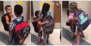 Δασκάλα βάζει τους μαθητές της να λένε κάθε πρωί καλημέρα με χειραψία και αγκαλιά για να νιώθουν όμορφα στην τάξη