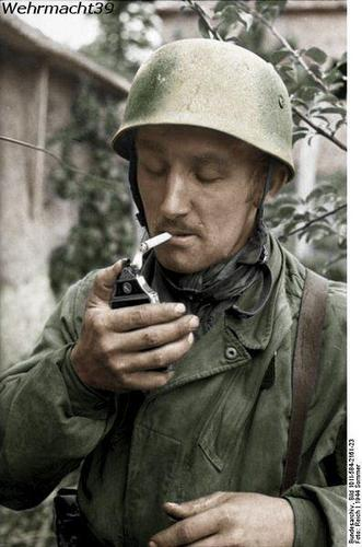 Fallschirmjäger worldwartwo.filminspector.com smoking