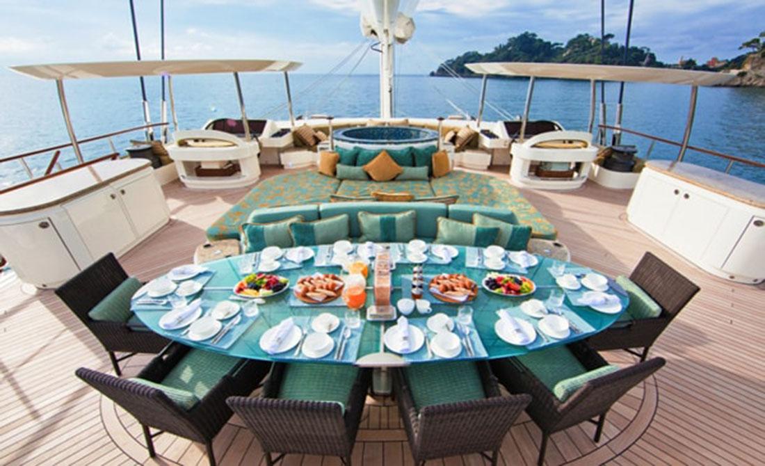 Bến du thuyền hiện đại tại Hạ Long Resort