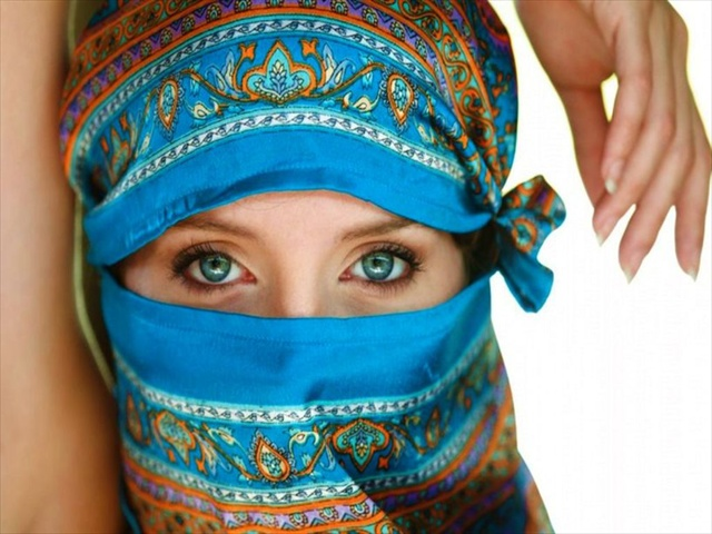 Wallpaper Muslimah Cute Most Beautiful Arabian Women Eyes Pictures Fashion