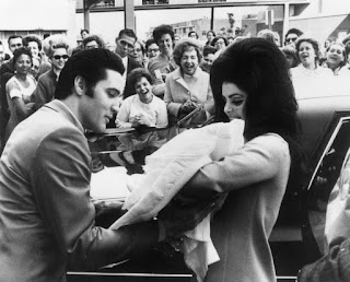 Elvis Presley is dazzling 40 years after his death