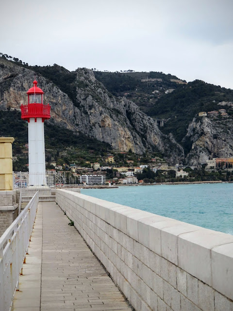 Things to see in Menton: Check out the local lighthouse