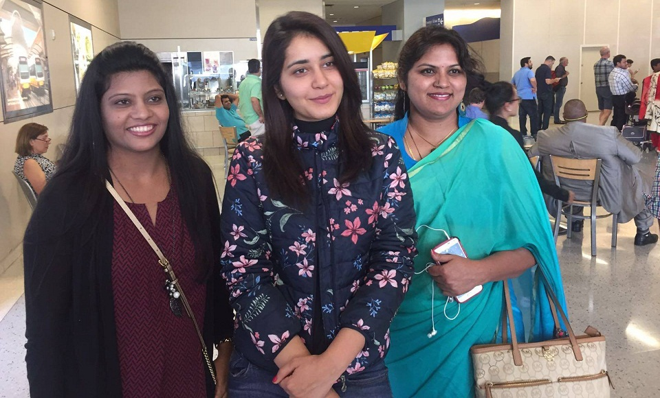 Actress Rashi Khanna Real Face Without Make In Airport