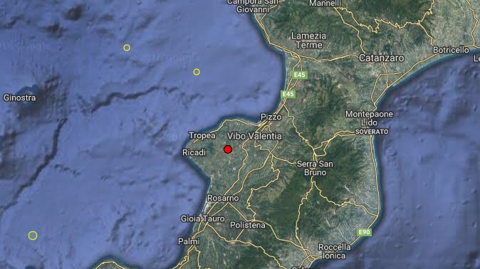 Sentito Terremoto Oggi M4,4 Costa Calabra sud occidentale (Catanzaro, Vibo Valentia, Reggio di Calabria).