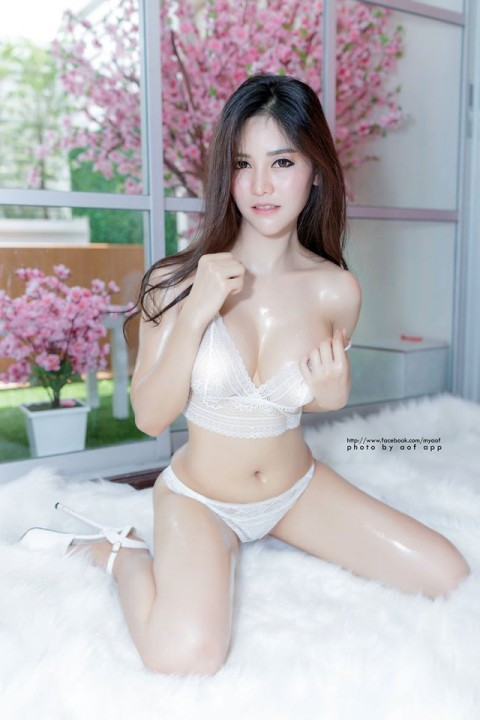 Blue-Jirarat-hot-sexy-boobs-thai-girl-1.jpg