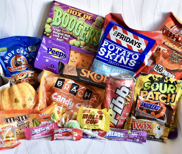 What's in Taffy mail - American candy subscription box