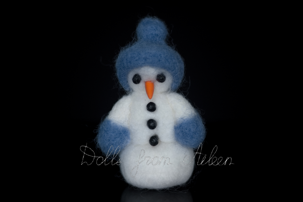 ooak needle felted snowman (with carrot nose, coal eyes and buttons) facing forward
