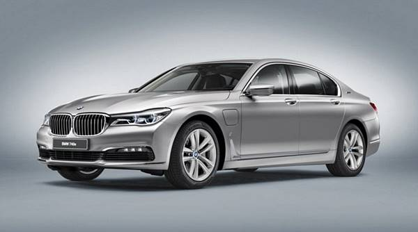 2018 BMW 740e IPerformance Specs Price and Release Date