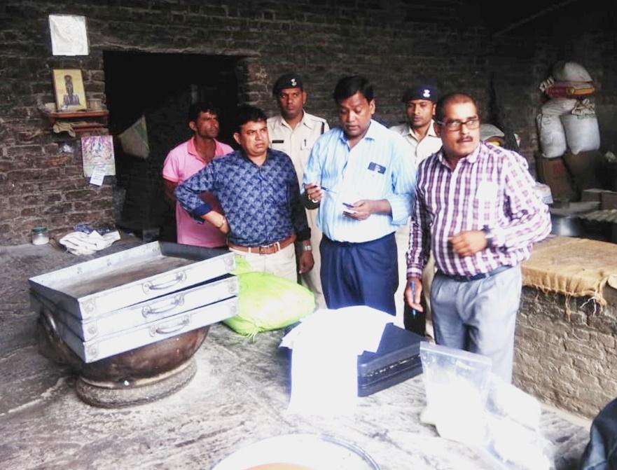 Ratlam News- मावा भट्टियों पर छापामार कार्यवाही