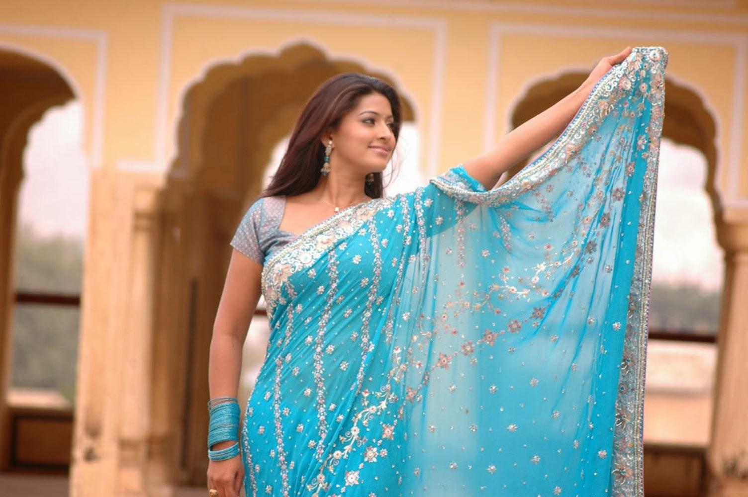 Sneha Hot Saree Stills - Latest Movie Updates, Movie -3490