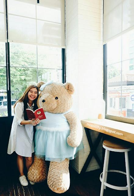 foto dengan teddy bear di jogja