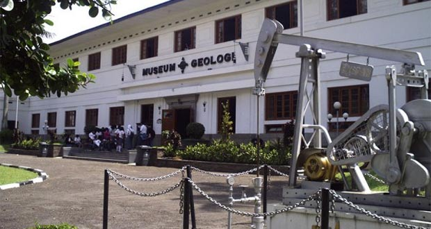 Museum Geologi Bandung (Foto : magarabackpacker.com)