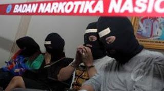 tertangkap saat menggelar pesta narkoba di sebuah apartemen di Tanggerang Banten