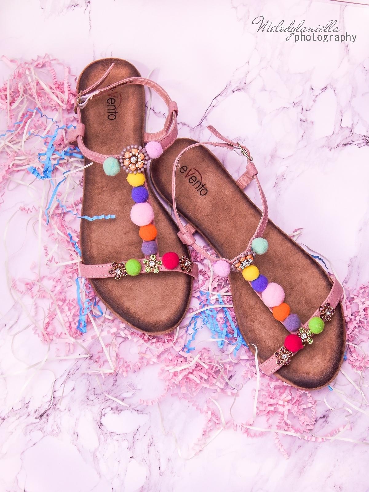 3 buty łuków baleriny tenisówki mokasyny sandały z ponopnami trzy modele butów modnych na lato melodylaniella recenzje buty coca-cola szare półbuty z kokardą buty na wesele buty do sukienki moda