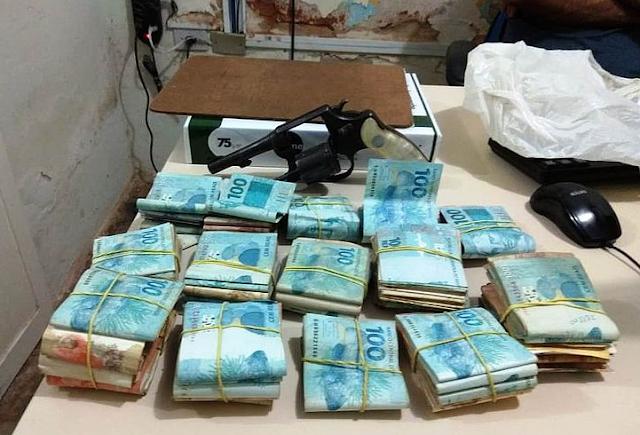Polícia recupera mais de  44 mil roubados de empresário de Olho d'Água das Flores