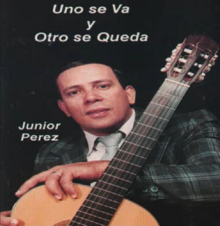Junior Pérez-Uno Se Va y Otro Se Queda-