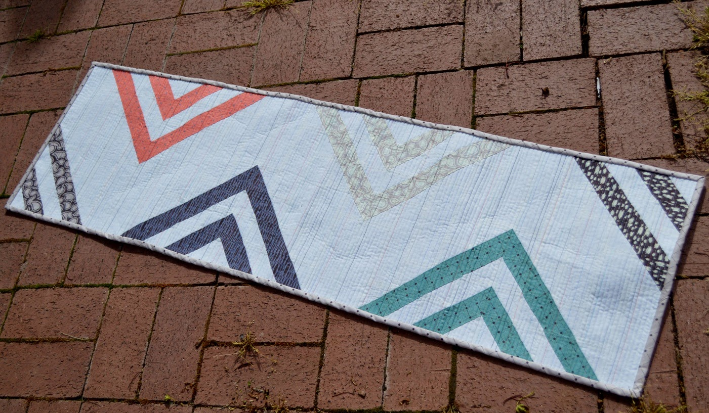 Happy Quilting Peaks And Valleys Table Runner