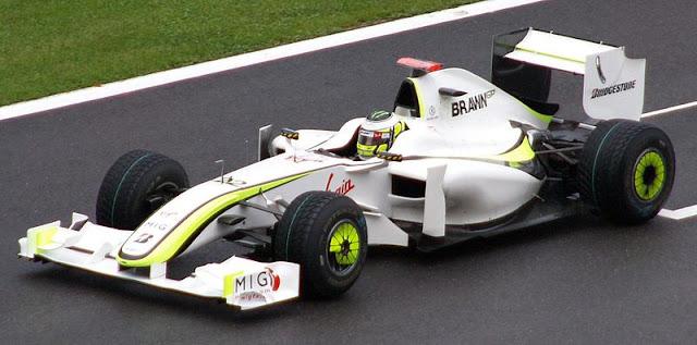Gambar Mobil Balap F1 Brawn 02