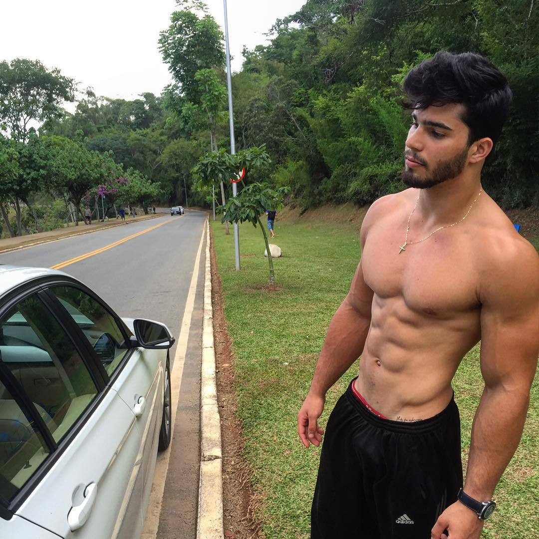 shirtless-bearded-black-hair-boy-ripped-abs-pecs