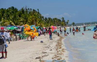 Boca Chica en Semana Santa paraíso o las puertas del infierno
