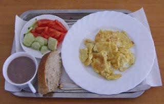 fel de mancare, omleta cu salata si cacao cu lapte, retete de mancare, retete culinare, mic dejun, cina,