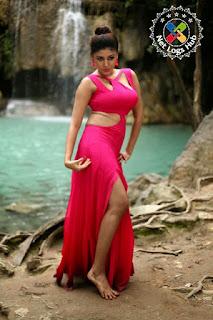 south-indian-actress-hot-boobs