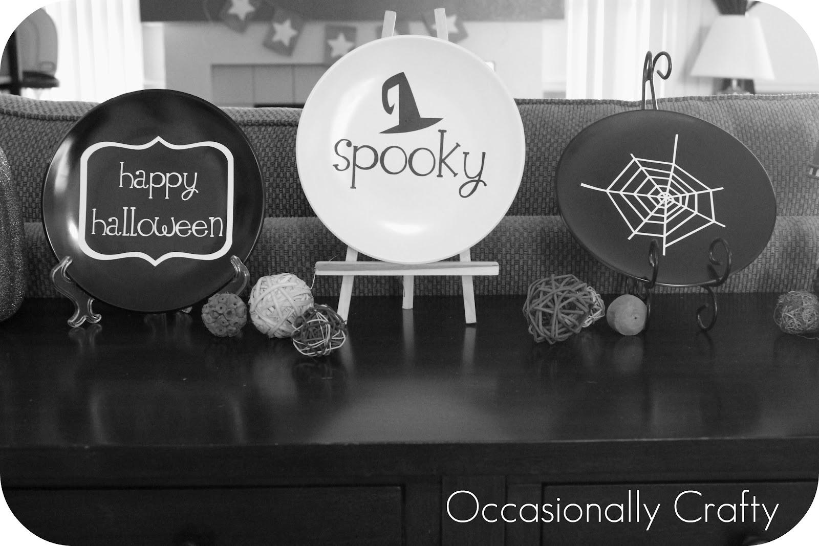 halloween vinyl plates- inspiredcupcake toppers | occasionally