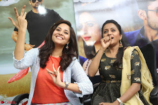 Actress Suma in Black Salwar Suit and Anusuya in orange Dress at winner movie press meet part 2 February 2017 (90).JPG